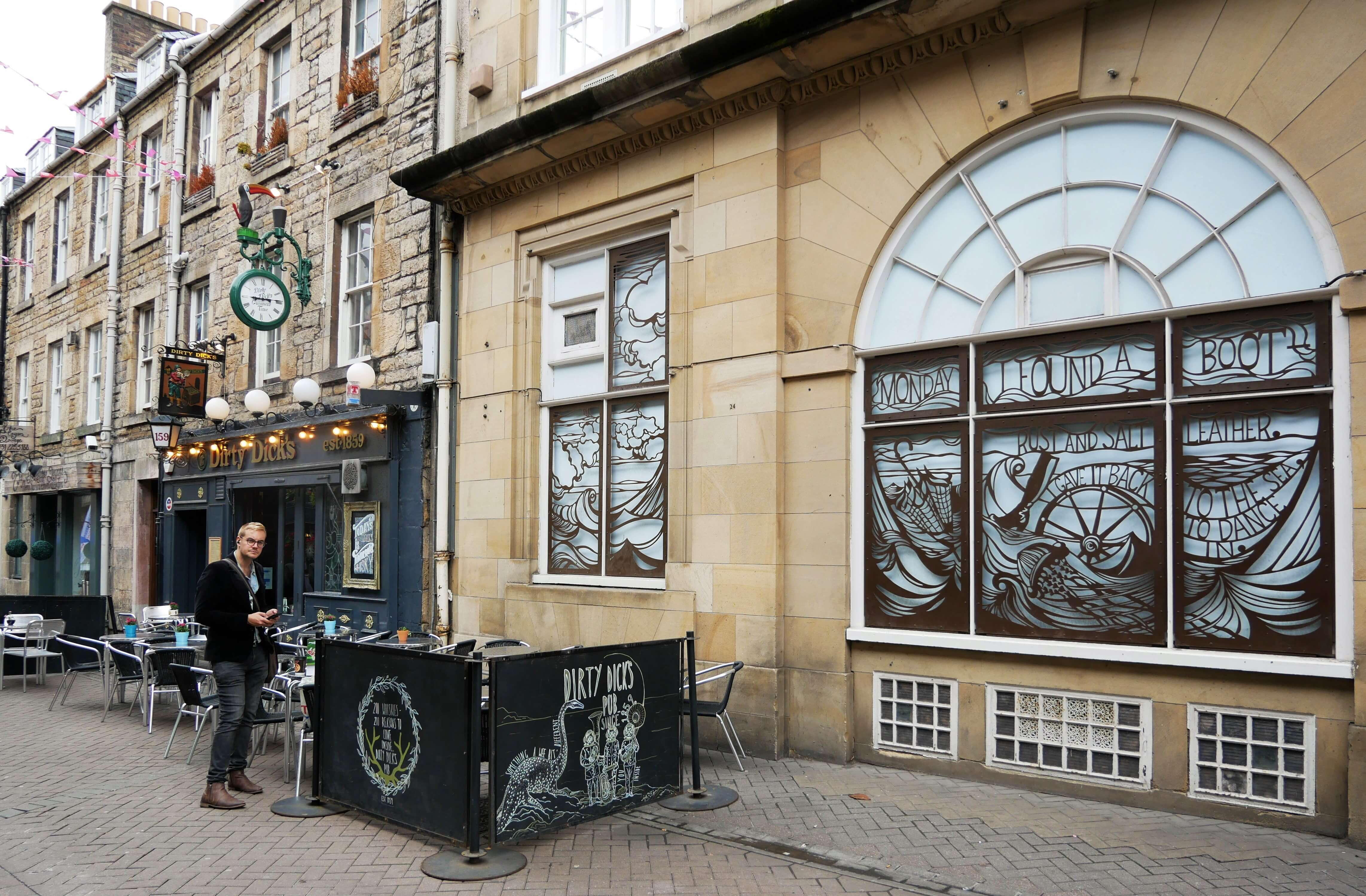 Edinburgh's Rose Street, where Orkney Islands poet GMB and his cronies used to hang out.