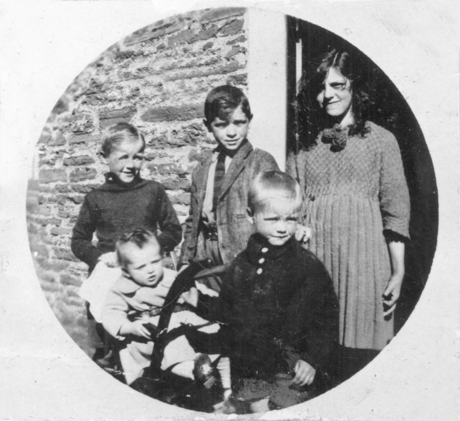 GMB as a baby with his siblings, later to become the famous Orkney poet - Stromness, Orkney Islands, Scotland
