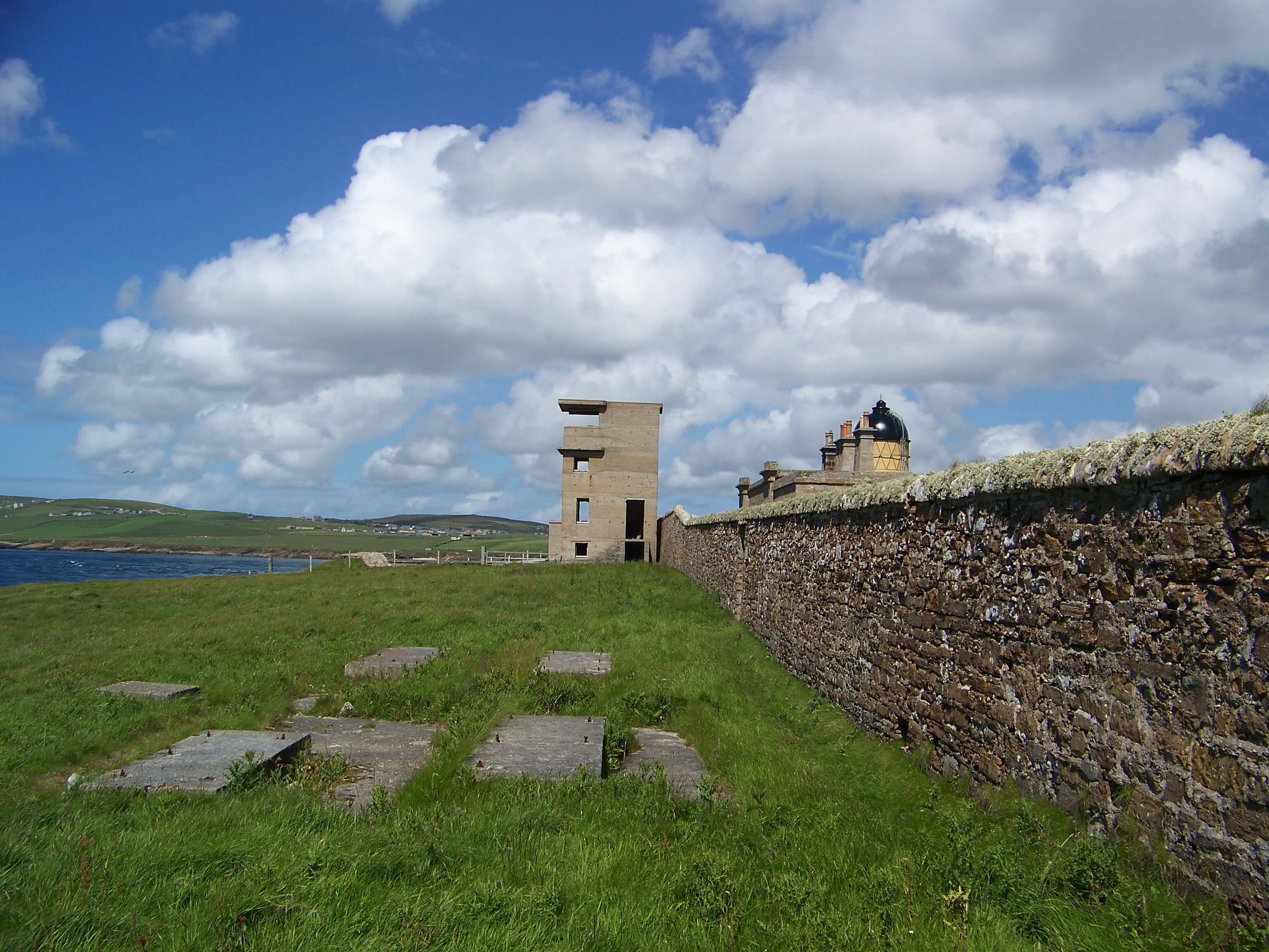 Graemsay Battery and Hoy Sound Low lighthouse