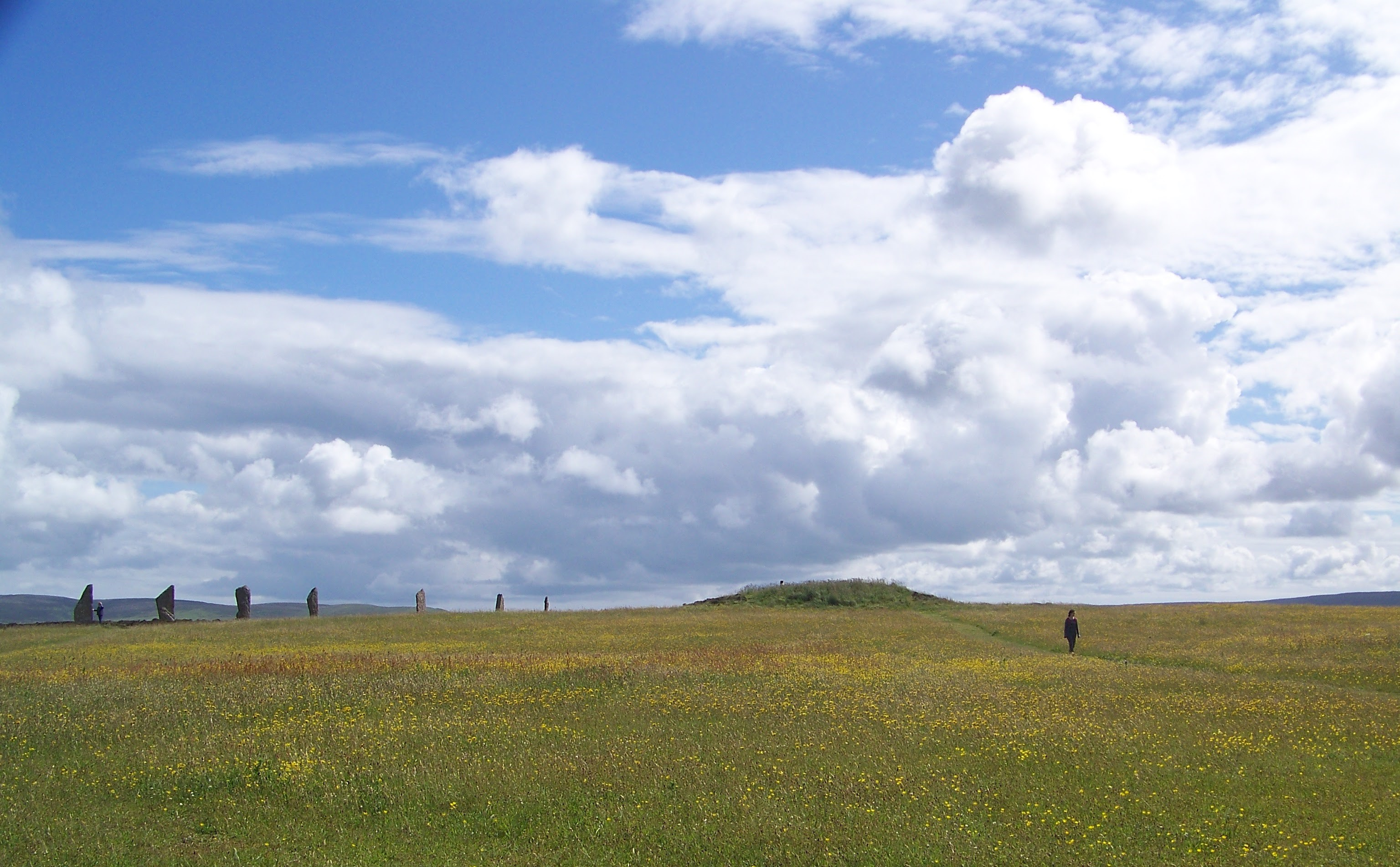 Salt Knowe - a mysterious mound near the stone circle at Brodgar, Orkney Islands, Scotland, UK. www.orkneyology.com