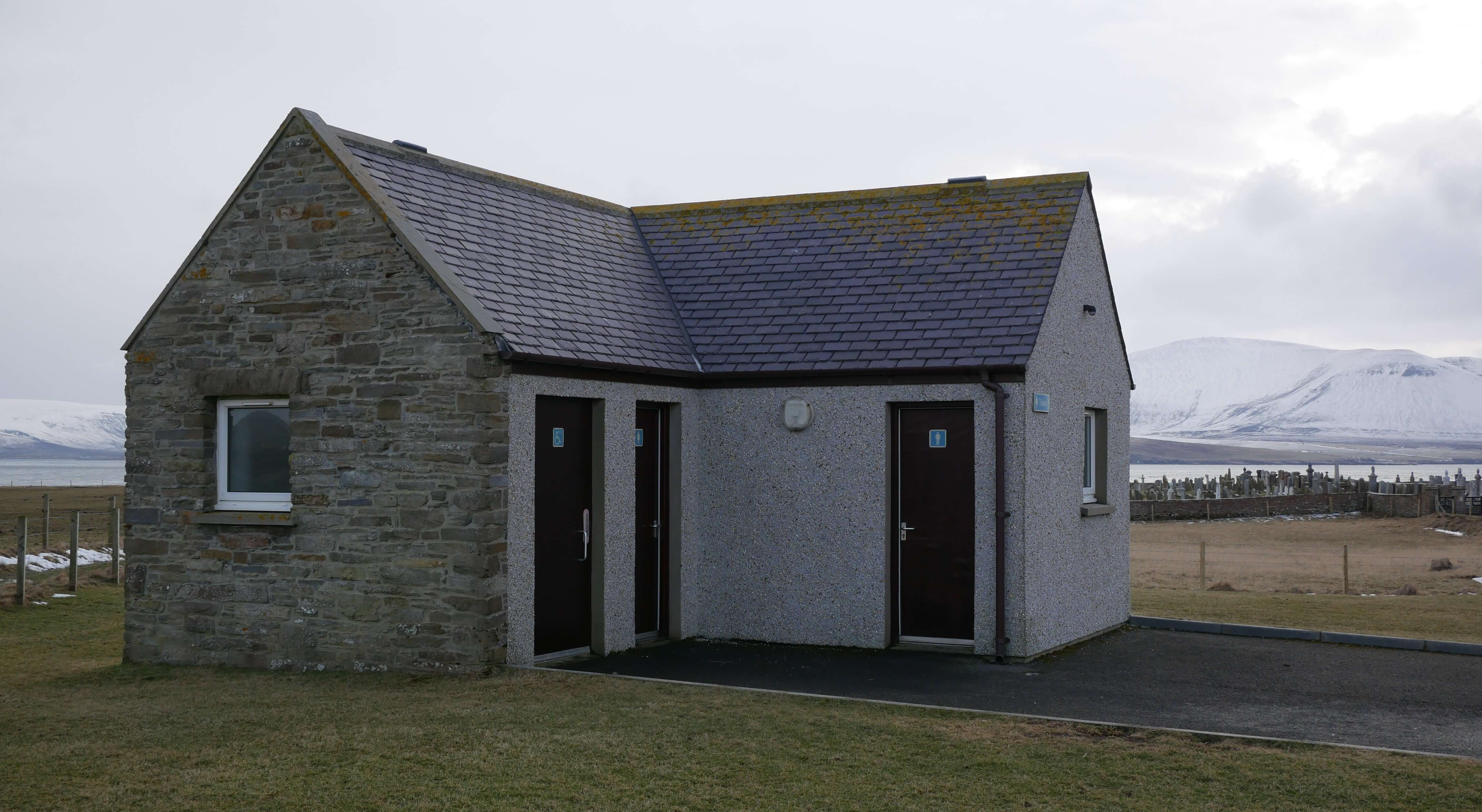 Public toilet at Warbeth Cemetery, Stromness, Orkney